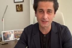 Ο Rovshan Muradov κατά τη διάρκεια της συνομιλίας μέσω  skype
