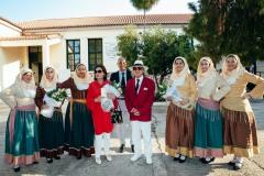 Ο Δήμαρχος Ερμιόνης μαζί με Ερμιονίτισσες υποδέχονται την Νάνα Μούσχουρη και τον σύζυγό της Andre Chapelle