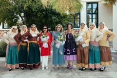Νάνα Μούσχουρη, Μαριάννα Β. Βαρδινογιάννη, Μαργαρίτα Θεοδωράκη με Ερμιονίτισσες