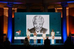 Μαθητές του Καλλιτεχνικού Λυκείου Γέρακα διαβάζουν αποσπάσματα των επιστολών του Μαντέλα