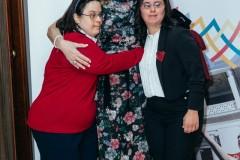 Η Μαριάννα Β. Βαρδινογιάννη με τις αθλήτριες των Special Olympics Όλγα Δασουρά και Νάνσυ Διαπούλη