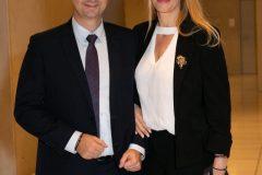 Ο Υπουργός Τουρισμού Χάρης Θεοχάρης με τη σύζυγό του