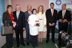 Αναμνηστική φωτογραφία από την επίσκεψη του Υπουργού Υγείας της Τουρκίας Mehmet Muezzinoglu στην Ογκολογική Μονάδα Παίδων «Μαριάννα Β. Βαρδινογιάννη- ΕΛΠΙΔΑ»
