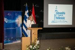 Η Μαριάννα Β. Βαρδινογιάννη κατά τη διάρκεια της ομιλίας της