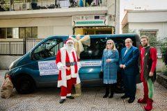 Ένα βαν δώρισε η Μαριάννα Β. Βαρδινογιάννη στις Κοινωνικές Δομές Αστέγων του Ομίλου για την UNESCO Πειραιώς και Νήσων