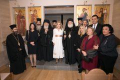 Στο εσωτερικό του Ναού αμέσως μετά τον Αγιασμό Νίκη Κεραμέως, Μητροπολίτης Φθώτιδος Συμεών, Αρχιεπίσκοπος Ιερώνυμος, Μαριάννα Β. Βαρδινογιάννη, Πατριάρχης Αλεξανδρείας Θεόδωρος Β, Φώφη Γεννηματά, Μανώλης Παπασάββας, Βασίλης Κικίλιας, Σίσσυ Παυλοπούλου, Λιάνα Κανέλλη