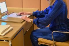 """Η Μαριάννα Β. Βαρδινογιάννη συνομιλέι μέσω skype με τις εκπροσώπους των Ιδρυμάτων Νέα Εστία Κοριτσιού """"Φιλοθέη η Αθηναία"""", Χριστιανική Στέγη Κοριτσιού """"Η Αγία Άννα"""", Ίδρυμα Γεωργίου και Αικατερίνης Χατζηκώνστα-Εκπαιδευτικής Μέριμνας Νέων"""