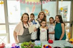 Σίσσυ Παυλοπούλου, Μαριάννα Β. Βαρδινογιάννη, Ζωή Παυλοπούλου με τις κόρες της Βάνα, Μελίτα και Σίσσυ
