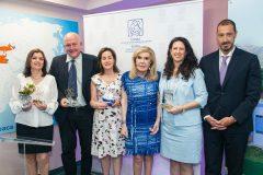 """Η Μαριάννα Β. Βαρδινογιάννη, η Πρέσβειρα του Ισραήλ κυρία Ιrit Ben Abba και ο Διοικητής του Νοσοκομείου Παίδων """"ΑΓΙΑ ΣΟΦΙΑ"""" κύριος Μανώλης Παπασάββας μαζί με τους εκπροσώπους του νοσοκομείου """"Chaib Sheba"""""""