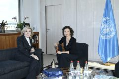 Η Μαριάννα Β. Βαρδινογιάννη με την Audrey Azoulay στην έδρα της UNESCO στο Παρίσι