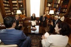 Στιγμιότυπο από τη συνάντηση στο Προεδρικό Μέγαρο