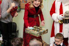 Χριστουγεννιάτικα δώρα για τα παιδιά του  2ου Παιδικού Σταθμού Μάνδρας