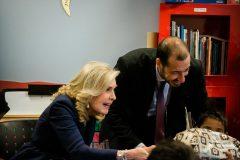 Μαζί με τον Διοικητή των Νοσοκομείων Παίδων μοίρασαν δώρα σε όλα τα παιδιά