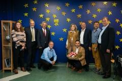 Οι εκπρόσωποι του Δήμου Ερμιονίδας με την Μαριάννα Β. Βαρδινογιάννη στον Τοίχο των Αστεριών της ΕΛΠΙΔΑΣ